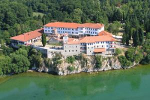 Македонија – ризница на манастири и духовност