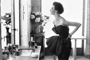 Историјата на коктел фустанот