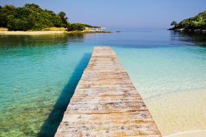 Каде на одмор – кај јужниот сосед или во Албанија?