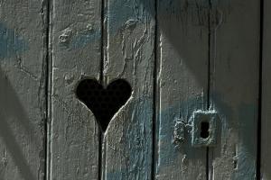 Кога иронијата ја замени љубовта