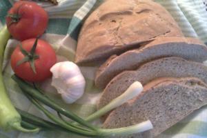 Леб со 'ржано интегрално брашно и пченично интегрално брашно