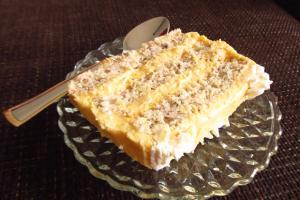 Вкусна торта со фил од жолчки