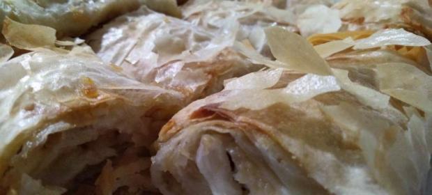 Посни штрудли со јаболка со готови кори