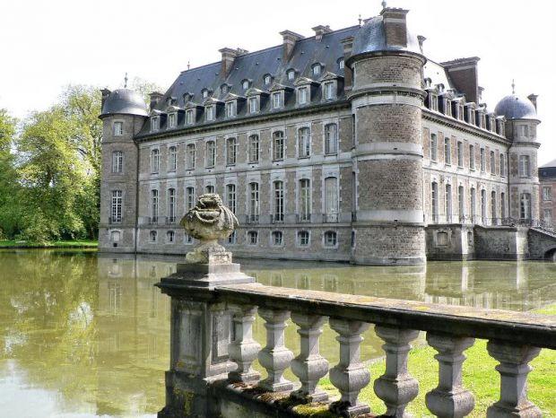 Замоци и тврдини опкружени со вода, Zamoci i tvrdini opkruzeni so voda, Zamokot Beloeil vo Belgija, Замокот Beloeil во Белгија