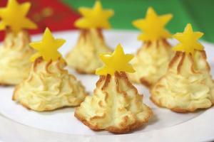 Божиќни декорации од храна