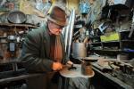 Занаетчиите побогати од магистрите